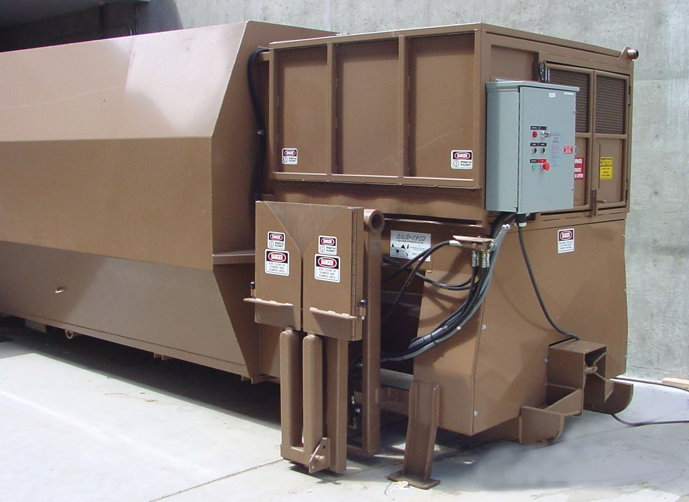 SC1040 Self Contained Auger Compactor